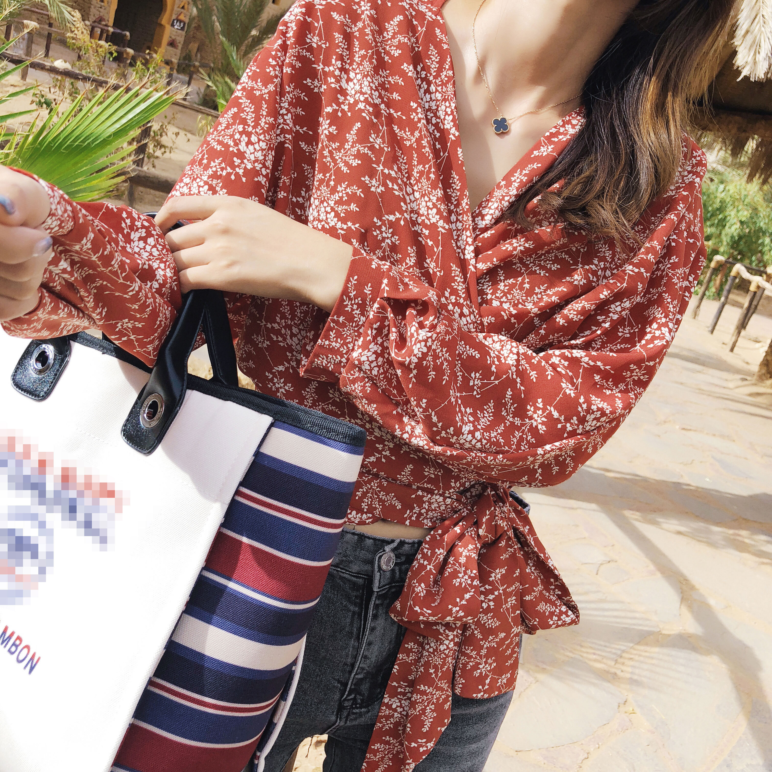 Blusa para mujer Mishow, novedad de primavera y verano de 2020, blusa informal ajustada de gasa, blusa vintage Floral con cuello en v, tops MX18C4824