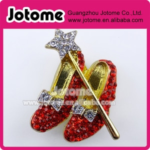 10pcs/lot Rhinestone Red Shoes Brooch Crystal Red Slippers Broach Wizard Of Oz Shoe Brooches Jewelry