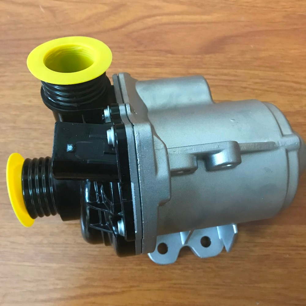 Bomba De Água elétrica Para BMW E61 E82 E71 X3 X5 535xi 535i 640i 135i 335i 335xi