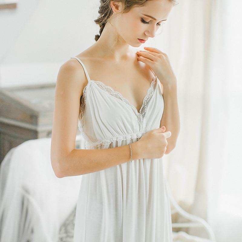New Autumn and Winter Women Princess Lace Cotton Robe Gowns Set Female Pyjimas Sleepwear Set European Retro Homewear Set QW1715