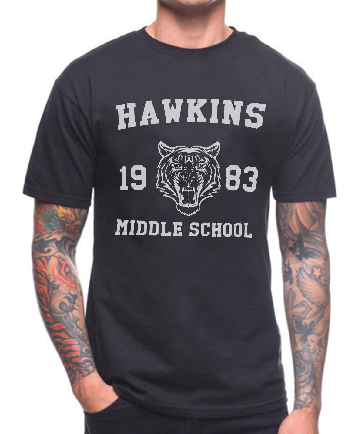 Camiseta de la Escuela Secundaria de Hawkins THE STRANGER THINGS