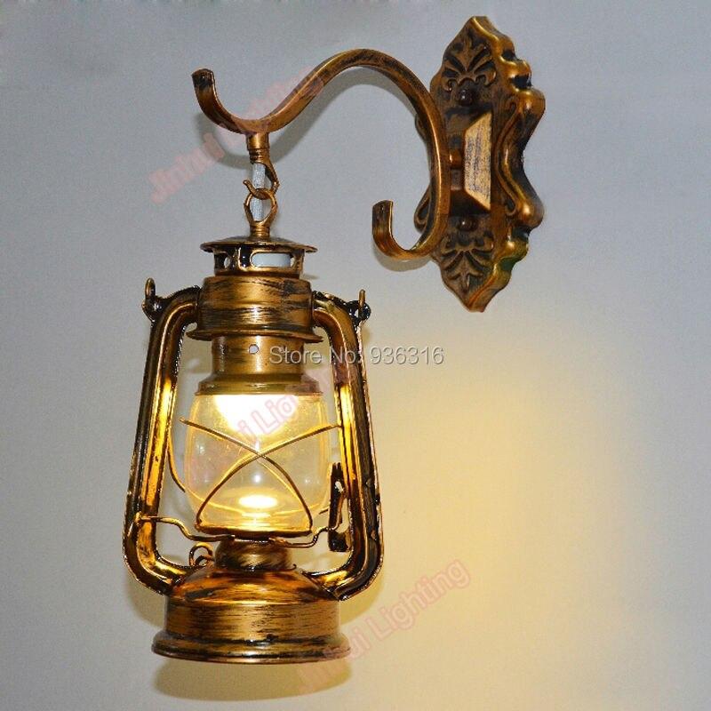 مصباح جداري عتيق نحاسي على شكل فانوس مصباح كيروسين يُصمم حسب الموضة مصباح جداري حديد إضاءة مقهى الممر