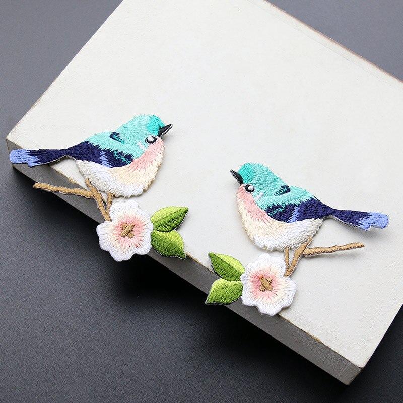 Hey Yonniex 1 par de lindos parches de hierro bordado pájaro con flor parche para ropa DIY tela insignias pegamento adhesivo