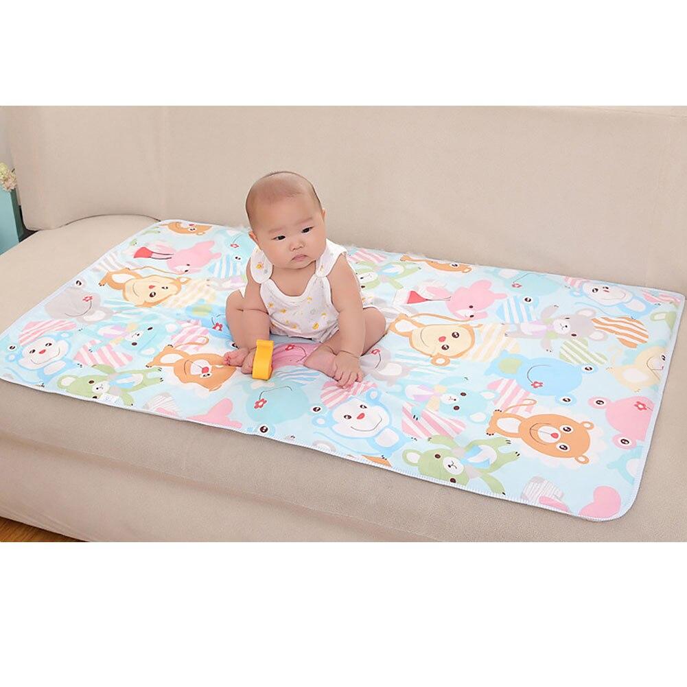 Colchón de cama para bebé, almohadilla de orina cambiante, Sábana de algodón, pañal impermeable con estampado de dibujos animados, alfombra aleatoria de 3 capas para pañales