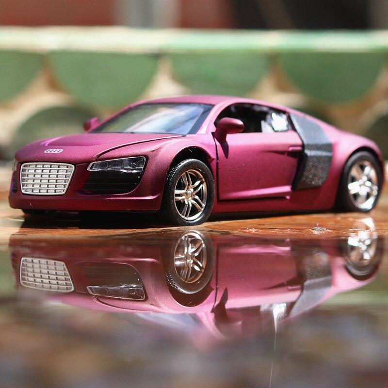 Модель литая металлическая автомобиля 1:32 из сплава для серии R8 Коллекционная модель Коллекционная коллекционная игрушка со звуком светиль...