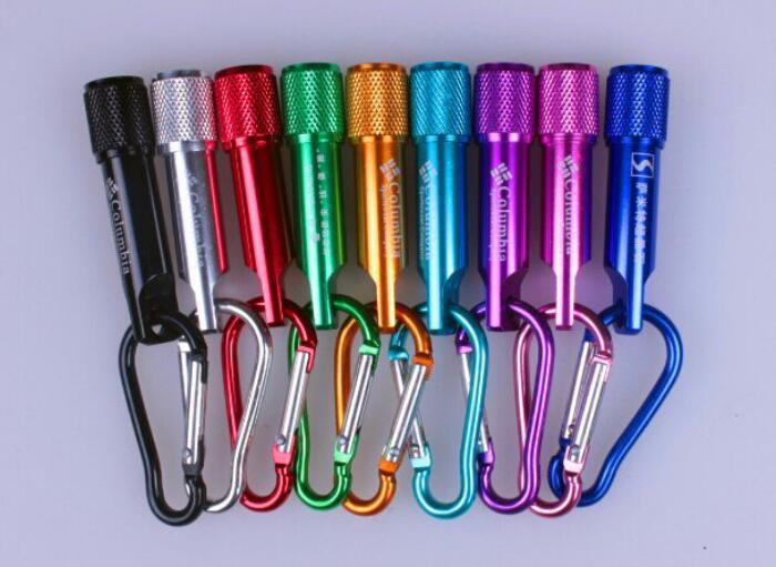 Envío gratis 1 Logo grabado en Color Flashligh, muchos colores, linterna con anillo deportivo en forma de u, buenos regalos pequeños, enlace especial