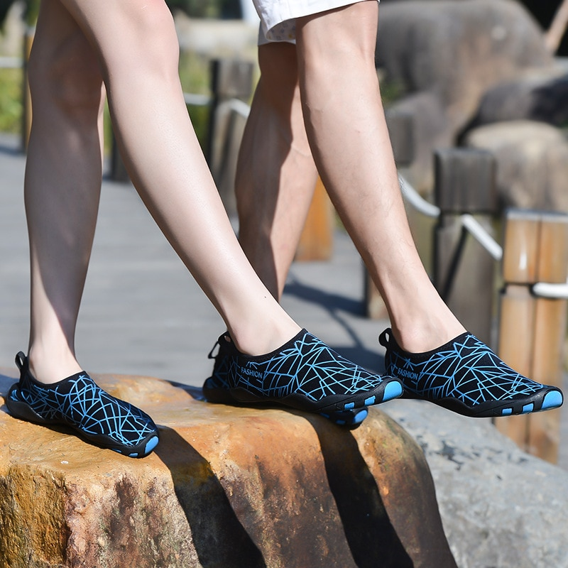 Homens Sapatos de Água De Praia de Natação Ao Ar Livre Sapatos Calçados Esportivos Sandálias Leves Slip-on Sapatos tenis feminino esportivo GINÁSIO