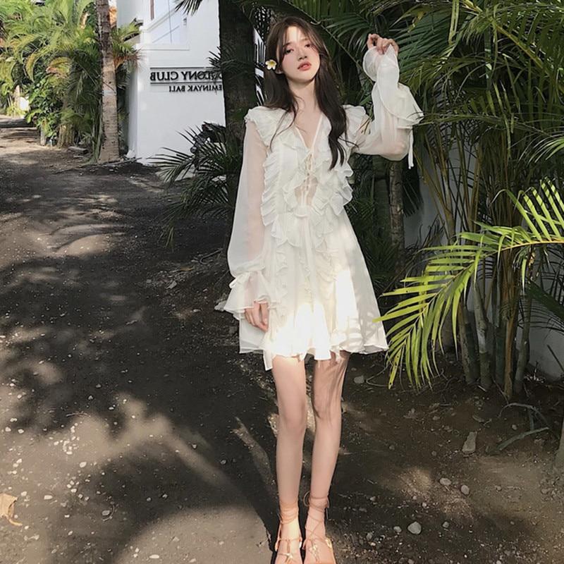 Sommer Weiß Kleid 2019 Neue Retro Yamamoto Fee Lange Ärmeln Strand Kleid V Neck Rüschen Süße Short Mini Chiffon Kleid vestido