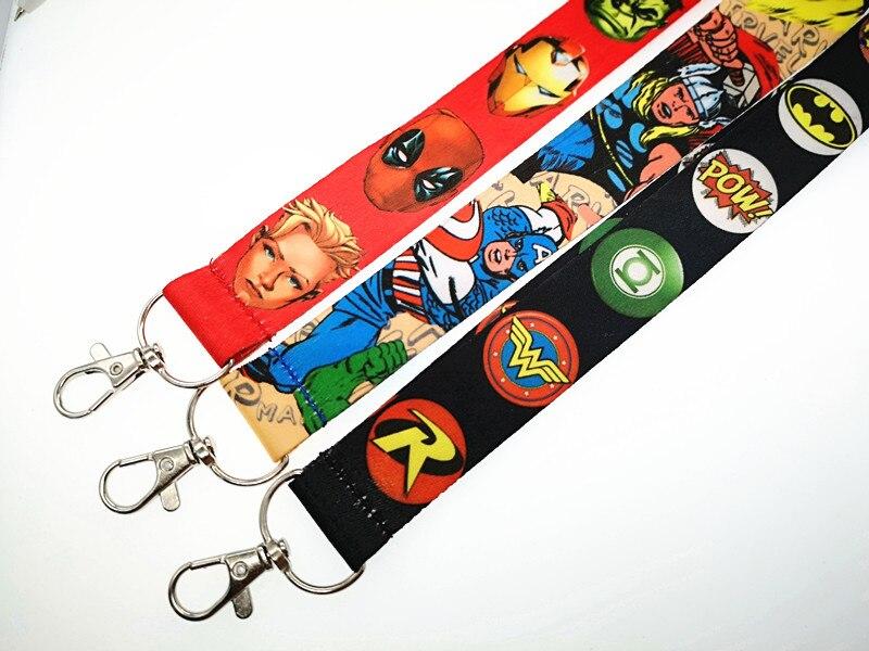 Novedad, 1 Uds. De llavero Popular de los Vengadores de dibujos animados, soporte de tarjetas de identificación, correas para el cuello con llavero, regalos obsequios fiesta