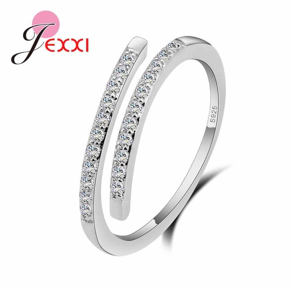 Женское-кольцо-из-серебра-925-пробы-с-белыми-фианитами