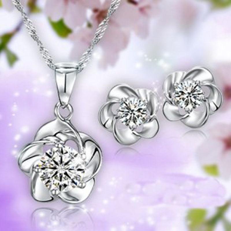 Venta al por mayor Nuevo 2014 primavera temporada rodio Chapado en plata circonio ciruela flor collar y pendientes de perno joyería de moda de las mujeres de la boda