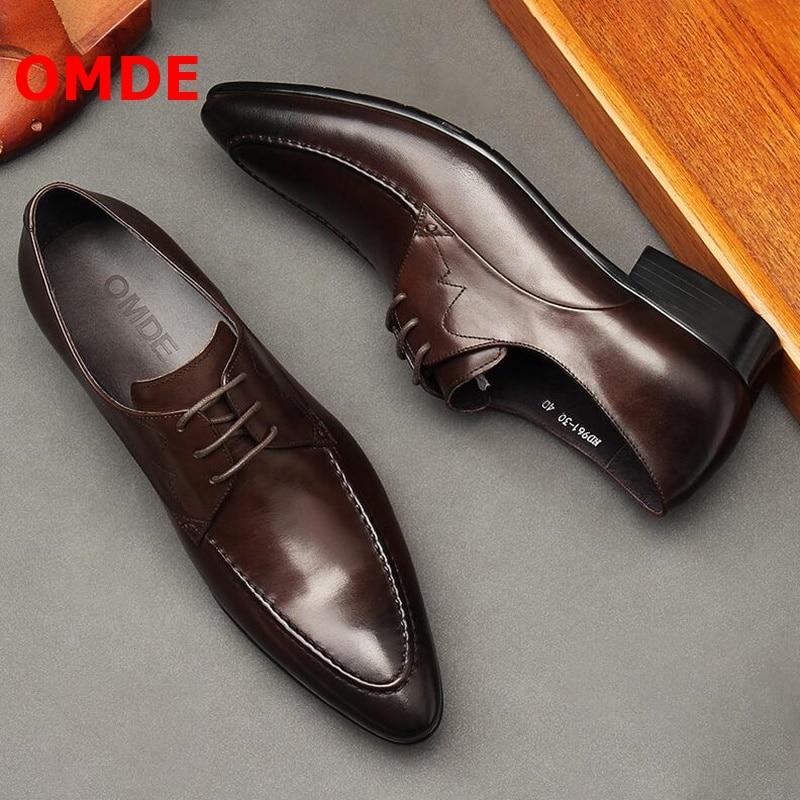 Zapatos de hombre de negocios de punta estrecha de cuero marrón británico OMDE, zapatos de hombre de moda con cordones, zapatos formales hechos a mano, zapatos de boda para hombre
