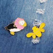 Enamel cartoon brooch creative animal yellow bee pink bird alloy brooch simple fashion denim shirt collar pin badge jewelry gift