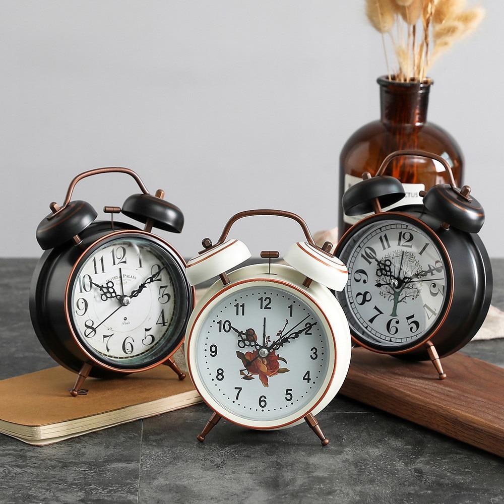 Reloj despertador de Metal Vintage, reloj de luz nocturna con aguja silenciosa para dormitorio de estudiantes, Mini reloj Pastoral Retro de 3 pulgadas con campana