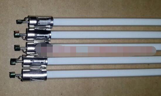 704 мм x 3,8 мм CCFL лампа подсветка трубка с держателем Без припоя для 32 SHARP LCD-32GH3 LCD-32D30WH ЖК-телевизор экран
