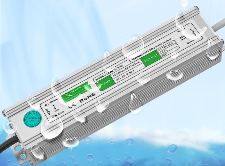 Nuevo controlador LED 24V DC 12 V 60W impermeable IP67 12 potencia de voltaje suministro transformador LED alimentación 5A 2.5A