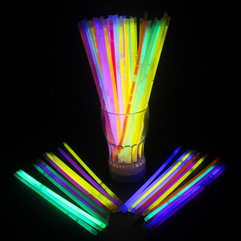 Heißer verkauf 50 teile/los (0,5 cm * 20 cm) Multi Farbe Fluoreszierende sticks Im Dunkeln leuchten Luminous DIY Hochzeit Dekoration lieferungen