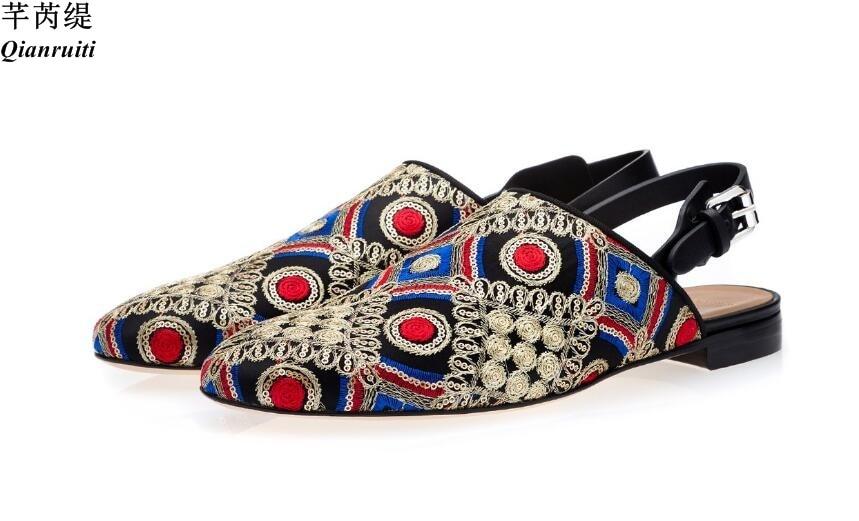 Qianruiti الصيف حذاء كاجوال الرجال حزام الظهر النعال خليط المطرزة البغال أحذية خفيفة الصنادل الشقق أحذية الرجال