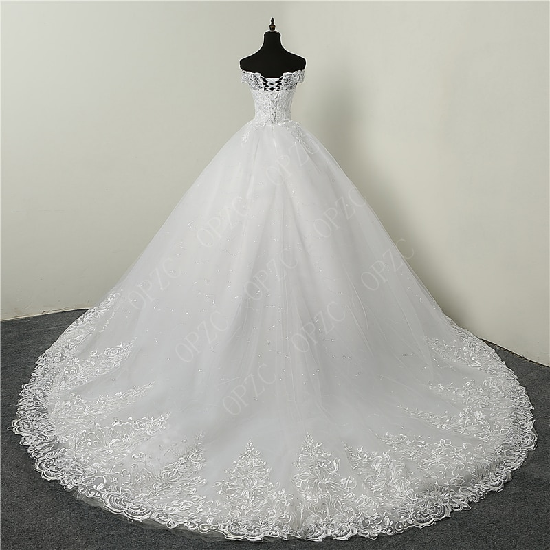 Big Discount Luxury Lace Applique Plus Size Wedding Dress Embroidery 2021 New Long Train Sweetheart Bride Gown Vestidos De Noiva