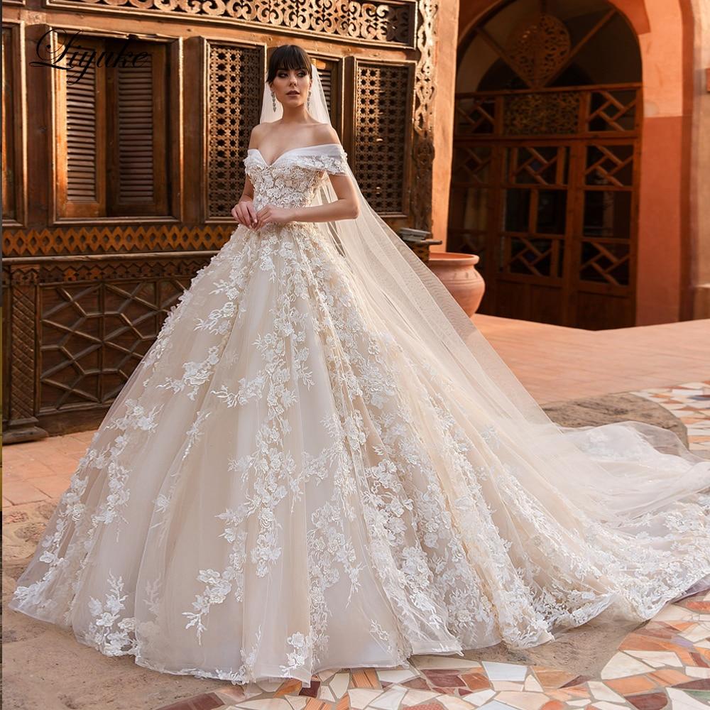 اشتر 1 واحصل على 1! Liyuke رائعة وفاخرة ثوب الزفاف الكرة قبالة ثوب زفاف الكتف مع هدية الحجاب