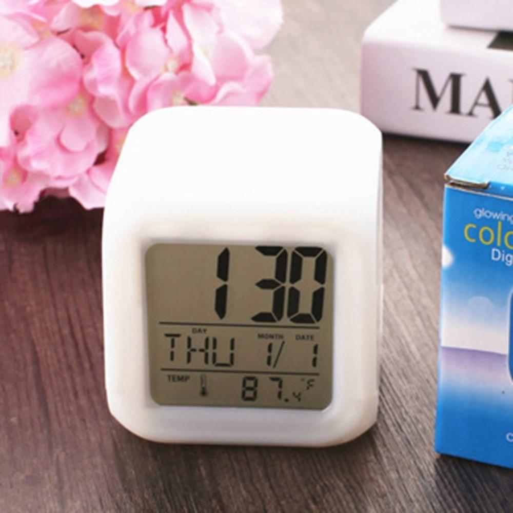 Reloj despertador Digital cuadrado portátil, a la moda, con 7 colores, cambio de colores, pantalla LCD, modo luminoso, para uso en el hogar y la Oficina