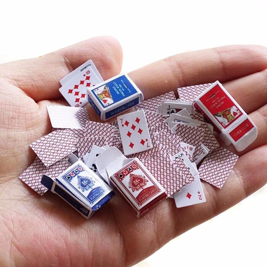 1 juego 1:12 casa de muñecas en miniatura Linda Mini cartas de póker estilo al azar Mini lindo póker para casa de muñecas