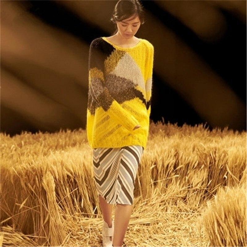 بلوفر منسوج منسوج للنساء مصنوع يدويًا من الصوف لعام 100% بلوفر فضفاض منسوج بألوان متباينة حسب الطلب