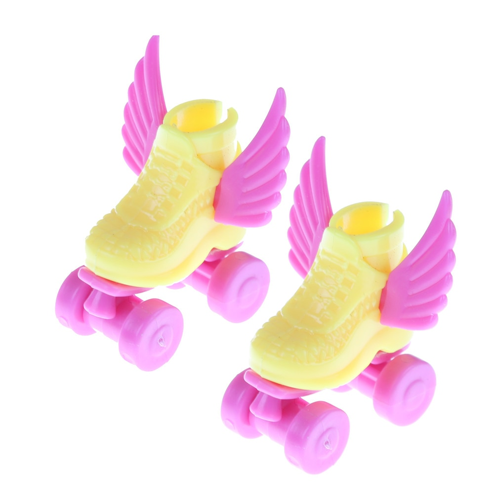 handmade high quality doll shoes for blythe azone momokolati jerryb doll accessories toys gift girl play house free shipping 1Pair/2Pcs Roller Skate Fancy Doll Shoes Toys 3cm Kids Toy Roller for Girls Decorative Play House Doll Accessories