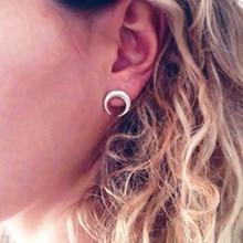 Brand Retro Exquisite Women Acrylic Moon Stud Earrings For Women Accessories e058