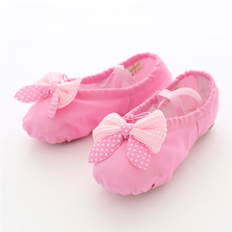 girls flower shoes children canvas shoes 2018 autumn fashion embroidered girls soft breathable cloth kids dance shoes high heels Girls Dance Shoes Soft Canvas Ballet Shoes Danse for Girls Kids Children High Quality Dance Slipper Ballerina Shoes
