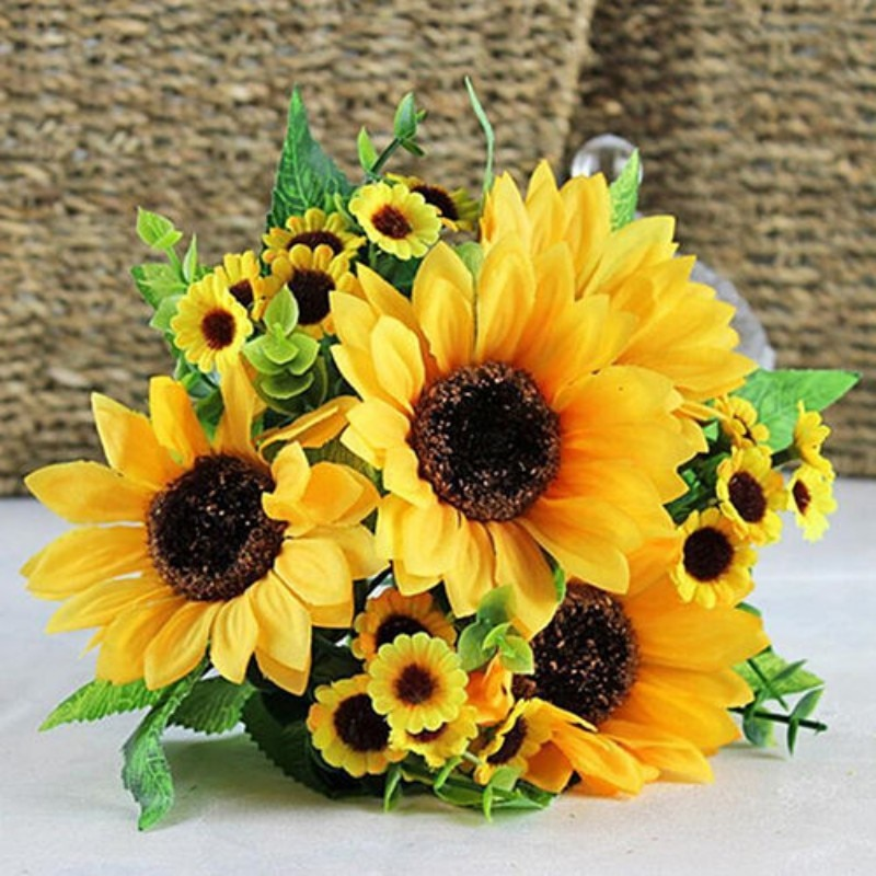 1 Bouquet Lifelike Artificial Sunflower Artificial Plastic Sunflower Heads Home Party Decorations Props