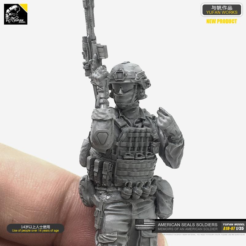 1/35 American Seal Assault Team 2 Resin Man Model A18-07