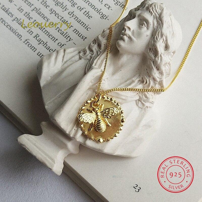 Pendiente de moneda plateada de Ley 925 Leouerry, collar con colgante de abeja de dibujos animados personalizado, collar de clavícula para mujer, regalo de joyería