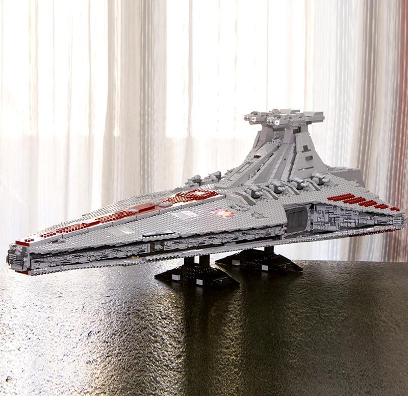 Em Estoque 05077 6125 Pcs Planos Da Estrela da Série A UCS República Estrela Destruidor Cruzador ST04 Blocos Tijolos Brinquedos com MOC-0694