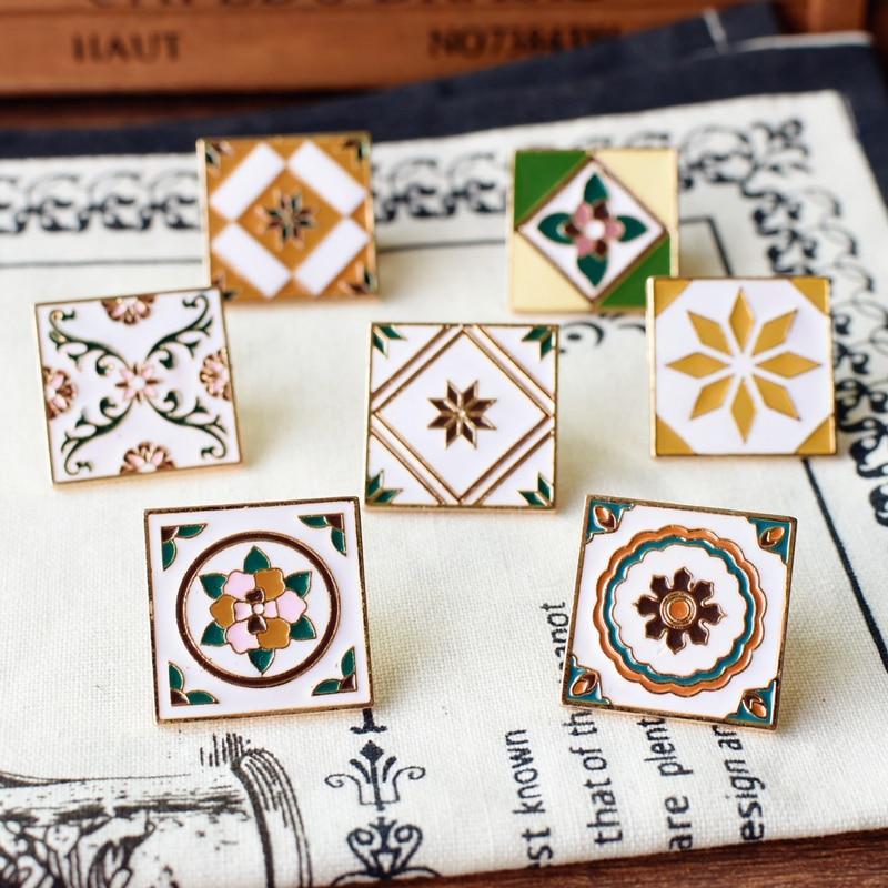 Fon Xee Nórdico Azulejos Quadrados Esmalte Broches e Alfinetes para mulheres da Antiguidade Do Vintage Broche de Metal Misturado Emblemas Homens Jaqueta Xales nz30