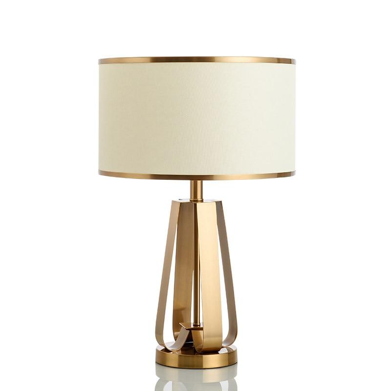 Pós moderno criativo candeeiro de mesa ouro luxo metal pano arte abajur foyer quarto estudo lâmpada led 12w e27 luz leitura