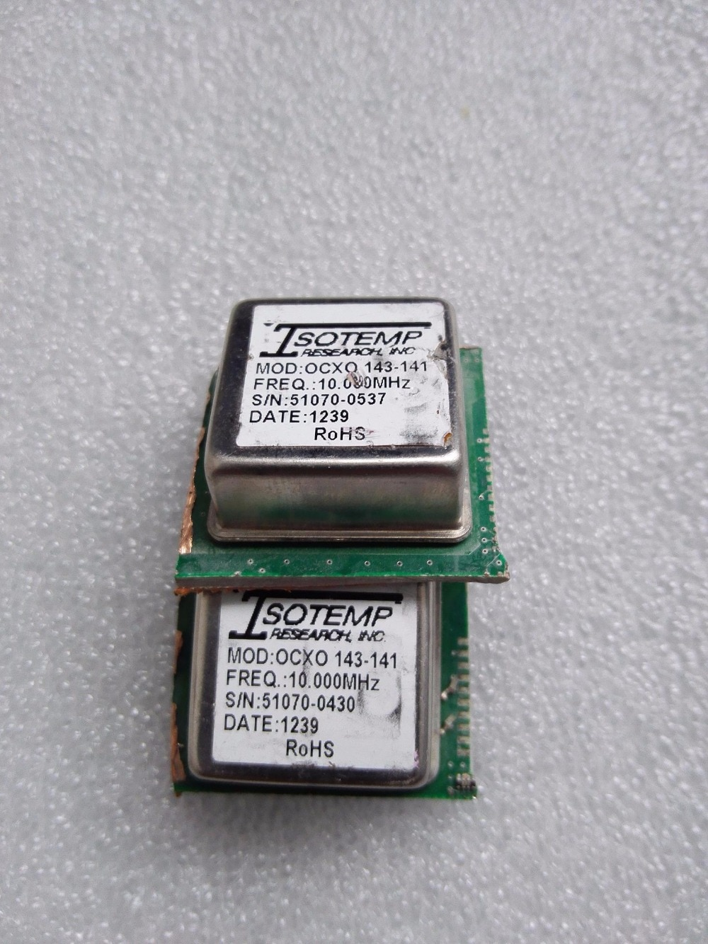 Velho ISOTEMP 143-141 MHZ Cristal Oscilador OCXO 10