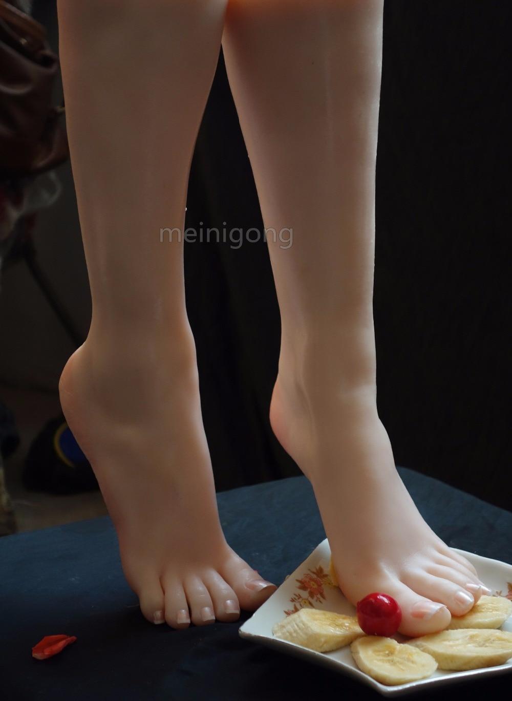 Un par de maniquí femenino de silicona realista, pie falso, modelo de pie para mujer, muestra de boceto de arte, zapato de sandalia T36