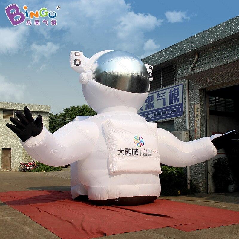 ¡Envío gratis! Modelo gigante de astronauta inflable 8X3.4X5 M a la venta, juguete promocional cosmonaut replicas spaceman para publicidad
