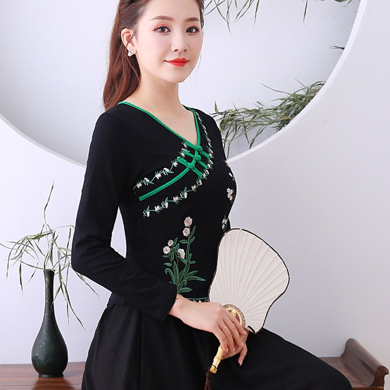 Camiseta China Yunnan viento nacional otoño mujer camisa viento de China mujer body bottoming shirt hebilla vintage bordado de manga larga t