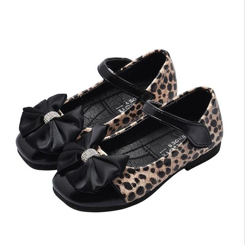 Zapatos escolares para niñas, novedad de 2019, zapatillas de moda para bebés, lazo de leopardo para niñas, zapatos de cuero simples, zapatos de fiesta de baile