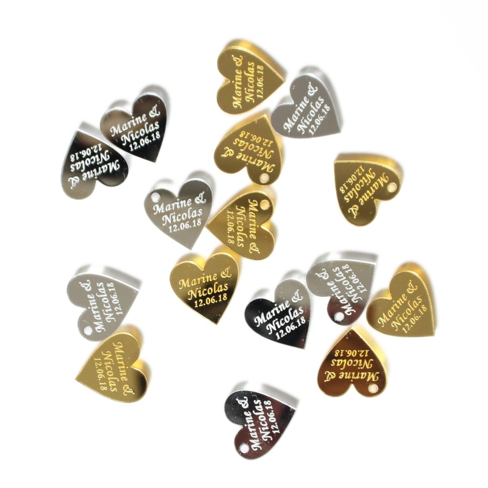 50 piezas de centro de mesa para fiesta de boda con corazón de amor acrílico plateado con grabado personalizado de Mr & Mrs, decoración de recuerdos, etiqueta de regalo