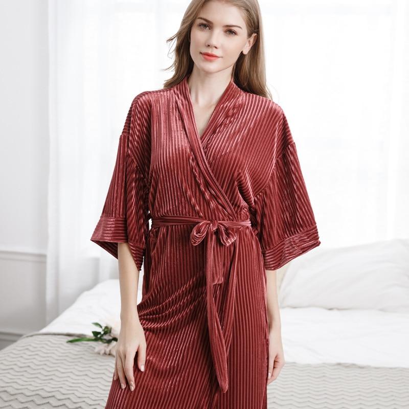 Long autumn and winter ladies pajamas thick gold velvet robe sexy bathrobe gold velvet home service temperament pajamas enlarge