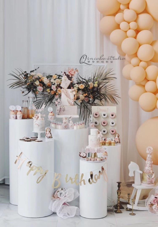 MESA DE BODA DE Metal 5 unids/set de columnas de pedestal de pilar de cilindro para boda Color blanco stand suministros para eventos de fiesta