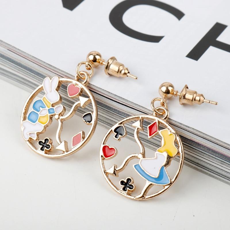 MQCHUN Pop Rock pendientes de fiesta icono de dibujos animados esmalte Alice Wonderland conejo asimétrica pendientes para chica regalo