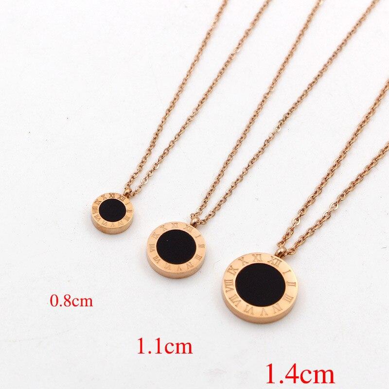 Collar con colgante redondo de dos lados con números romanos para mujer, joyería de concha de acero inoxidable, collares cortos de lujo K026-2