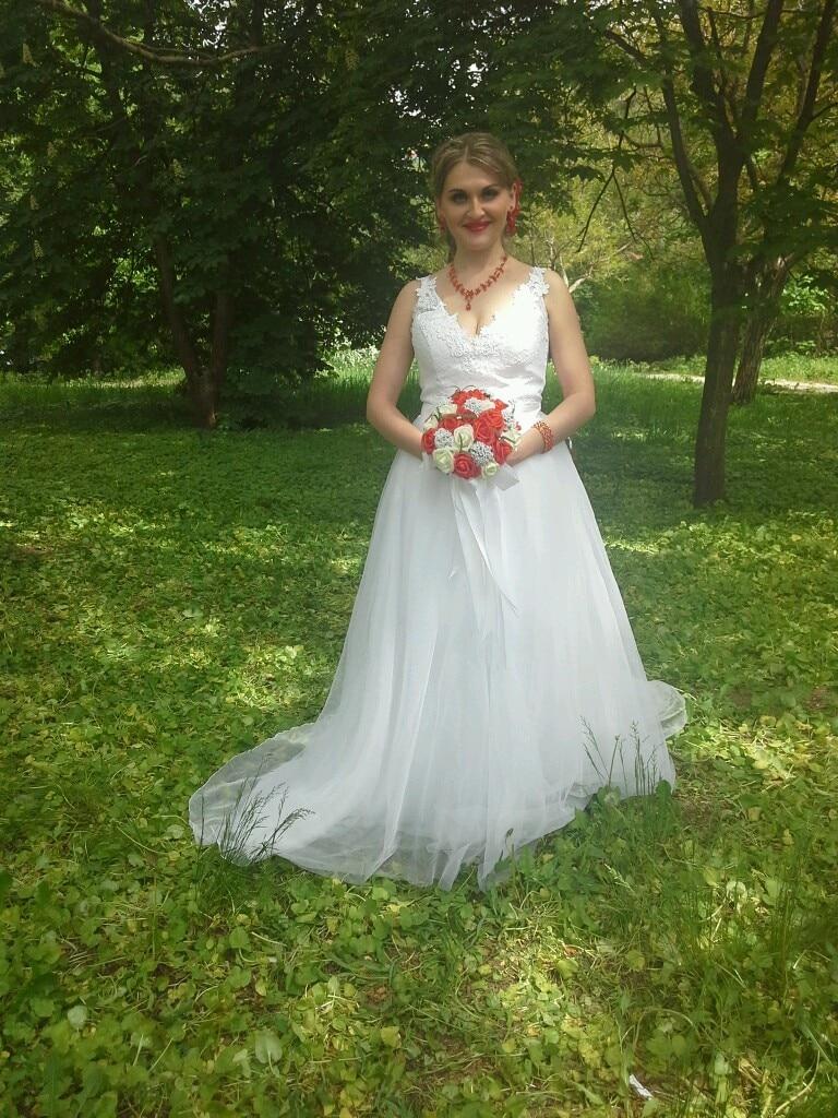 فستان زفاف من قطعتين مع ذيل قابل للفصل ، دانتيل ، خط ، أحزمة سباغيتي ، شفاف في الخلف ، تول