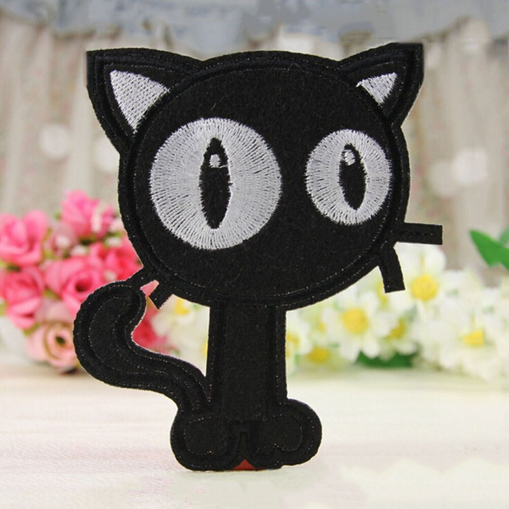 1Pcs DIY patchwork fabric Appliques Cartoon Cat Patches White Black Cat embroidered patches for clothes wedding dress clothing
