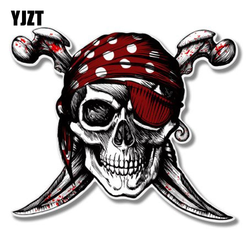 YJZT 12,4x10,7 CM personalidad calavera pirata Jolly Roger Retro-reflectante pegatinas para coche C1-8053