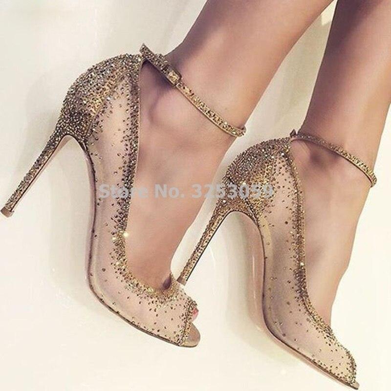 Zapatos de boda ALMUDENA fantásticos brillantes de cristal ostentoso con punta de champán abierto de oro, zapatos de tacón alto fino con diamantes de imitación de malla transparente